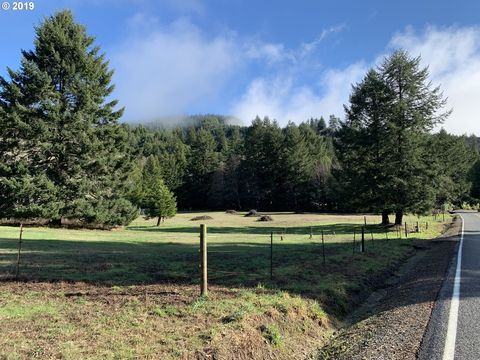 Photo of 20 Winchuck River Rd, Brookings, OR 97415