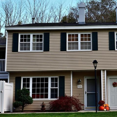 Photo of 929 Edgebrook Dr Unit 11-3, Boylston, MA 01505