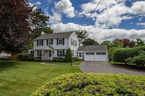 122 N Strawberry Hill Ave S, Norwalk, CT 06851