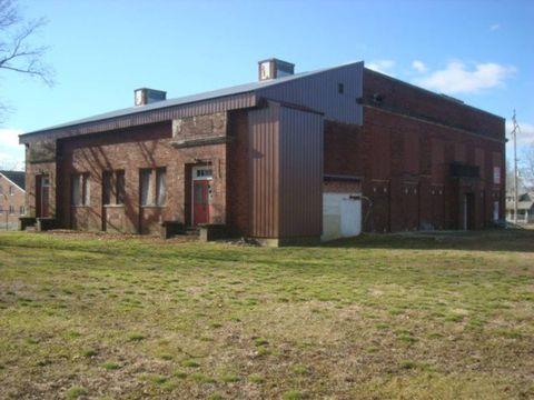 Photo of 200 W Elm St, Olney, IL 62450