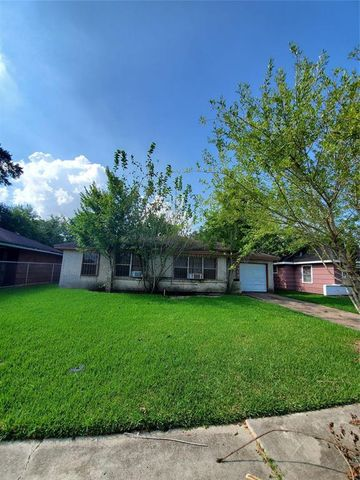 Photo of 8530 Northton St, Houston, TX 77029