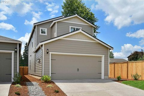 878 S View Dr, Molalla, OR 97038