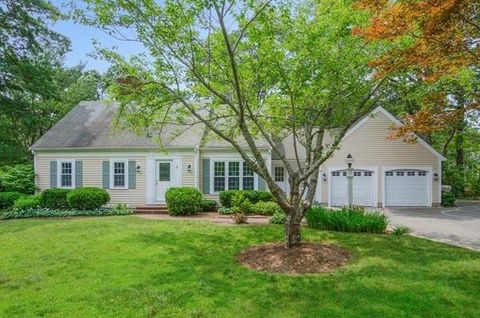 Swell Forestdale Ma Real Estate Forestdale Homes For Sale Interior Design Ideas Inesswwsoteloinfo