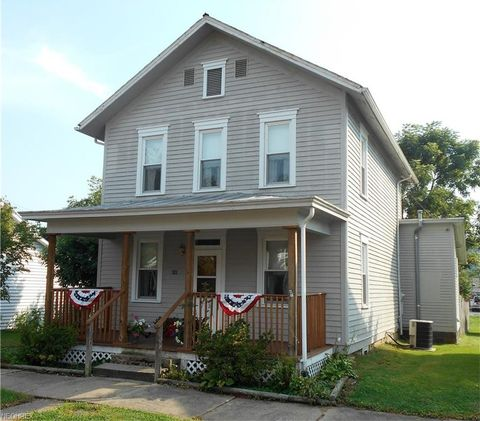 311 4th St, Lowell, OH 45744