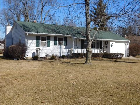 1807 10th Ave, Grinnell, IA 50112