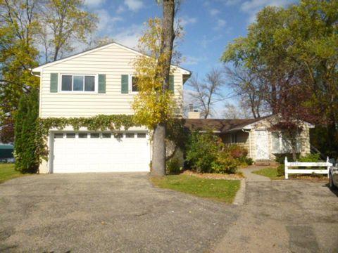 25360 Birch Bluff Rd, Shorewood, MN 55331