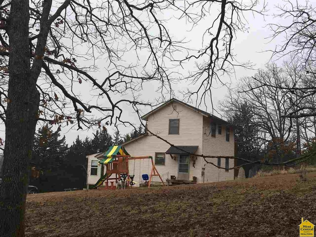 21388 Valley Rd, Warsaw, MO 65355