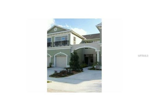 2052 Park Crescent Dr, Land O Lakes, FL 34639
