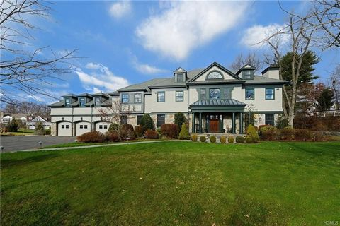 8 Castle Brooke Rd, West Harrison, NY 10604