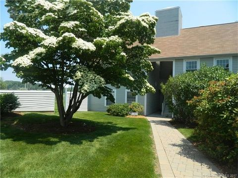 34 River Colony, Guilford, CT 06437