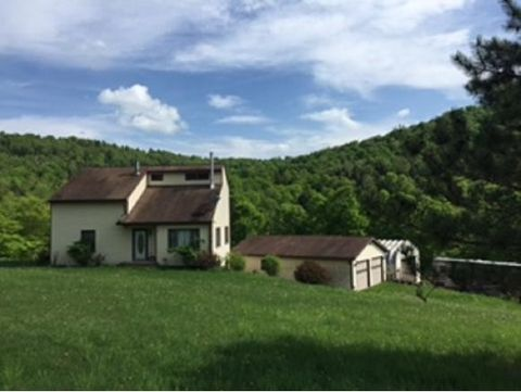 618 Corby Rd, Friendsville, PA 18818