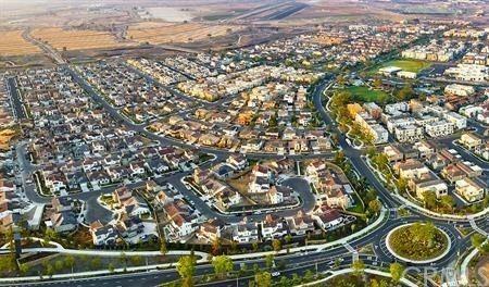 124 Spectacle, Irvine, CA 92618