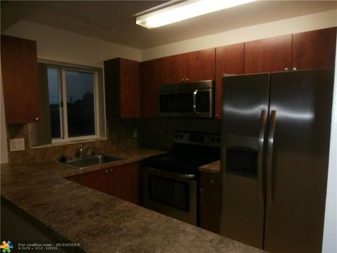 Photo of 7910 Taft St Apt 202, Pembroke Pines, FL 33024