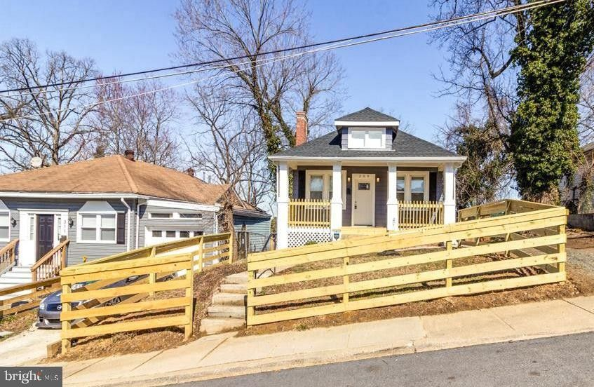 309 70th St, Capitol Heights, MD 20743