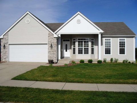 901 Dashwood Ct, Mishawaka, IN 46544