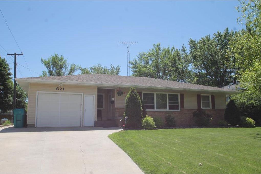 621 Phelps St, Owatonna, MN 55060