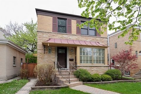 6163 N Caldwell Ave, Chicago, IL 60646
