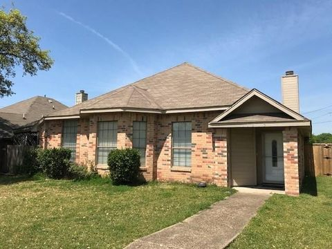Photo of 11815 Asher Ln, Balch Springs, TX 75180