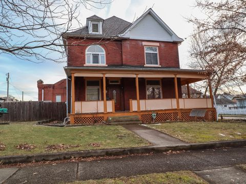 Photo of 111 W Green St, Connellsville, PA 15425