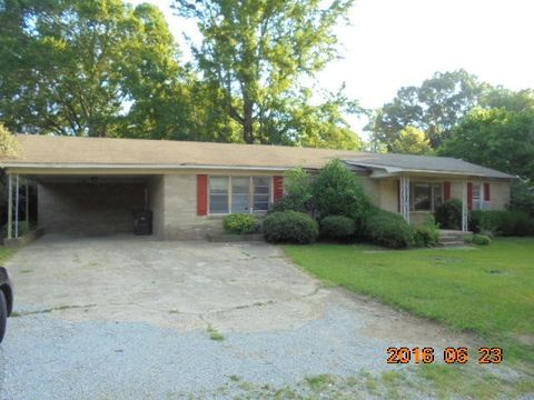 401 E Seaman Ave, Calhoun City, MS 38916