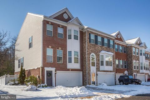 Photo of 2303 Abby Rd, Edgewater, MD 21037