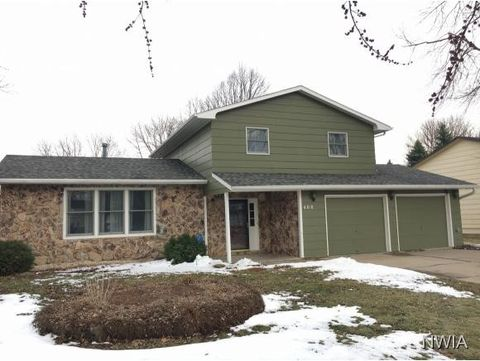 408 S Norbeck St, Vermillion, SD 57069