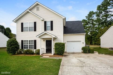Photo of 153 Kristens Court Dr, Mooresville, NC 28115
