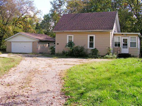 235 N Rock Island St, Bureau, IL 61315