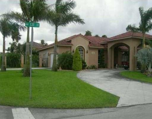 9912 Nw 131st St Hialeah Gardens Fl 33018 Home For