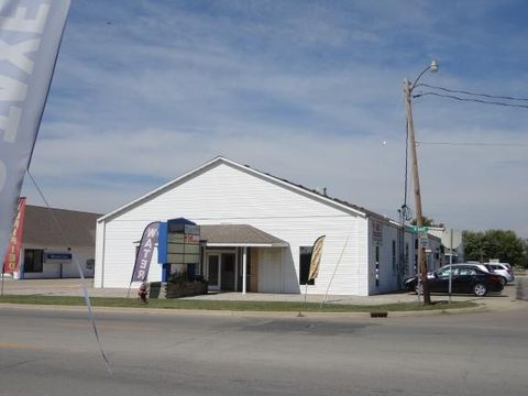1601 W Main St, Shelbyville, IL 62565