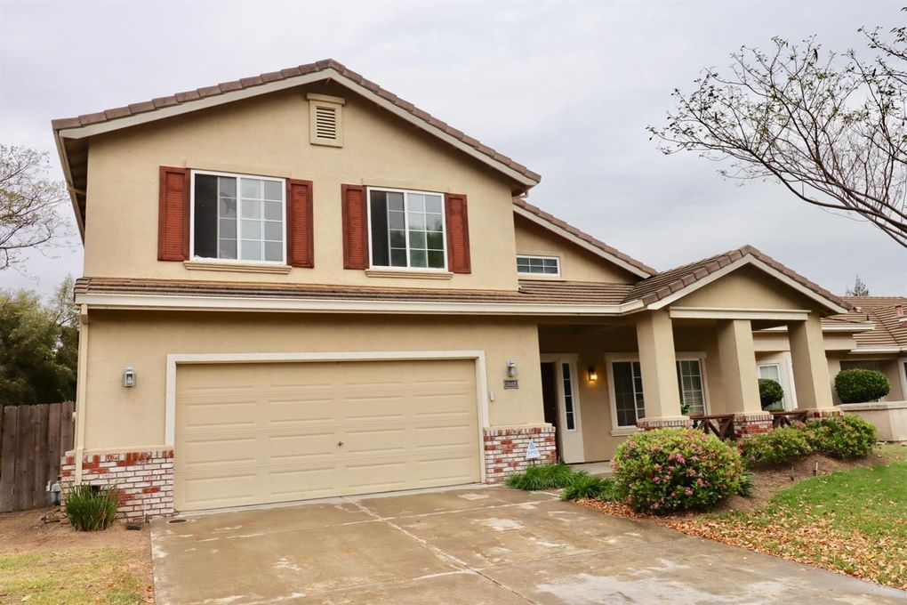 1042 Junction Dr, Manteca, CA 95337