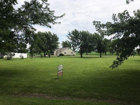 Photo of 520 W Kennedy Dr, Cullom, IL 60929