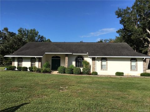 Inverness FL Homes With Special Features
