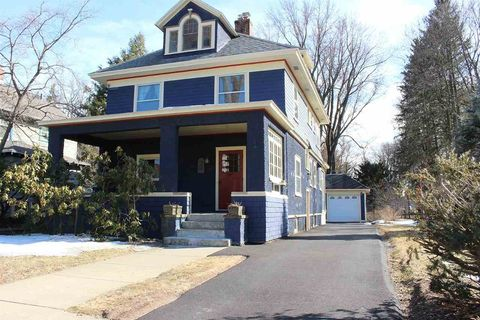 Photo of 8 Washington Rd, Scotia, NY 12302