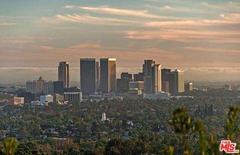 Sierra Mar Dr, Los Angeles, CA 90069