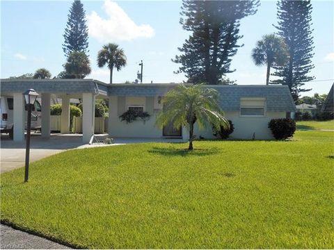 352 Easton Ct, Lehigh Acres, FL 33936