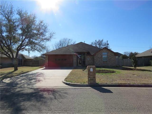 1616 Hyde Park Blvd, Cleburne, TX 76033