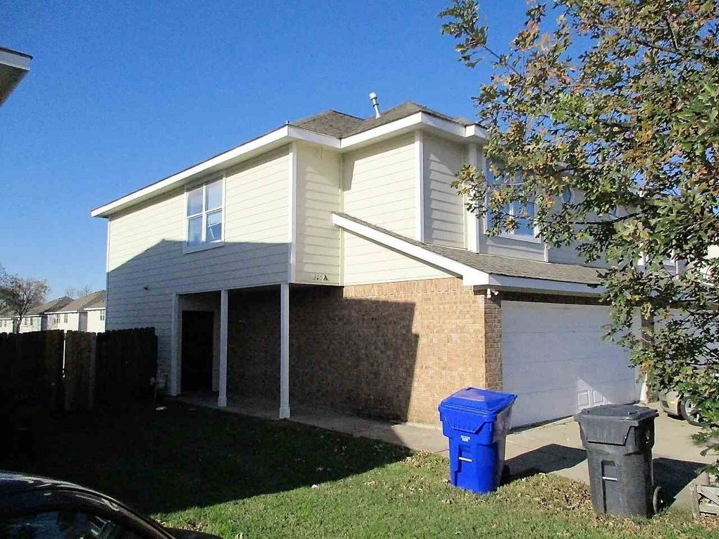 305 gurley ave unit a and b waco tx 76706 for Home builders in waco texas area