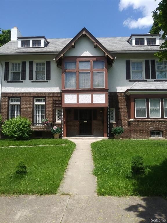 211 Arden Park Blvd E, Detroit, MI 48202