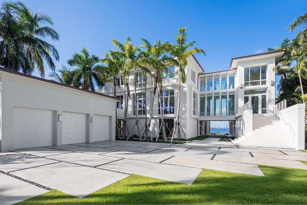 17 Tahiti Beach Island Rd Miami Fl 33143