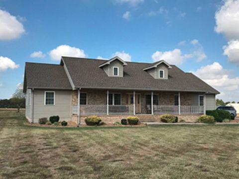 Photo of 1117 County Road 1800 E, Fairfield, IL 62837