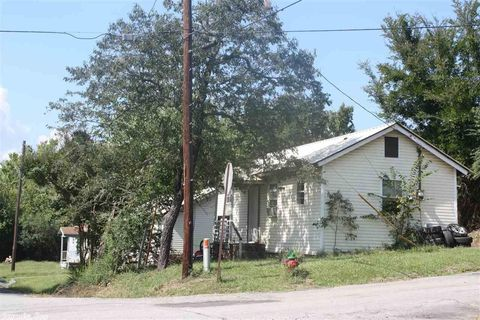 105 Church St, Mena, AR 71953