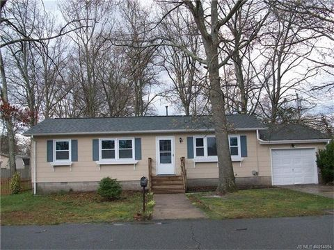 1233 Clearview St, Lacey Township, NJ 08731