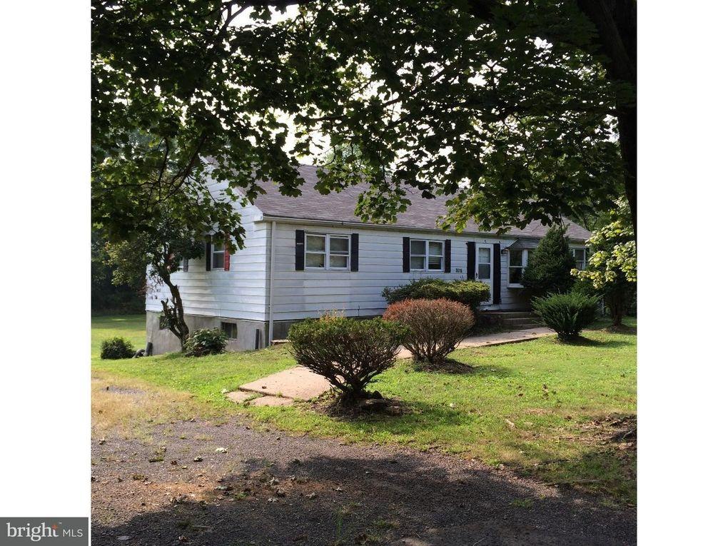 3816 Sawmill Rd, Doylestown, PA 18902