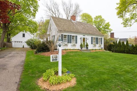 Photo of 32 High St, Quincy, MA 02169