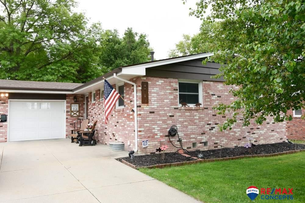 4710 S 44th St, Lincoln, NE 68516