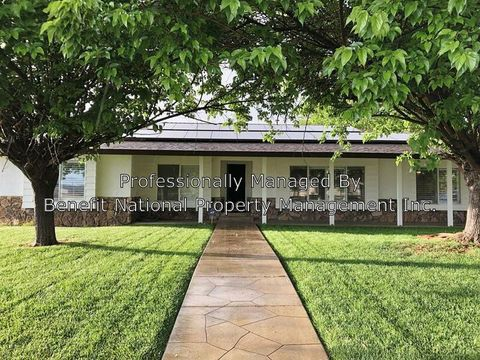 Photo of 28840 Triple Crown Rd, Menifee, CA 92585