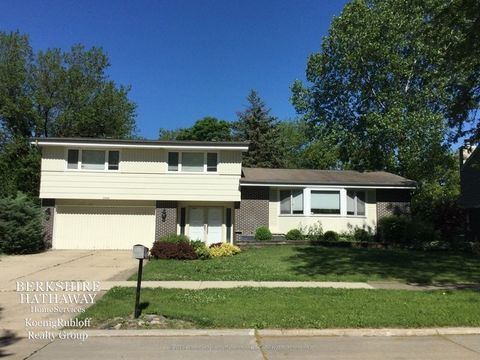 1949 Clover Rd, Northbrook, IL 60062