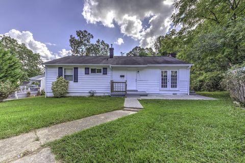 311 East Dr, Oak Ridge, TN 37830