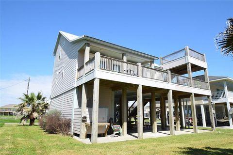 2932 Lakeside Dr, Crystal Beach, TX 77650